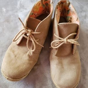 Lei tan suede ankle boots. Size 9